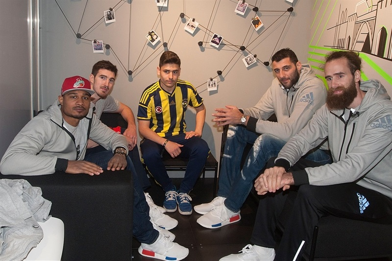 Draper, De Colo, Bourousis and Datome in Adidas Trophy Tour at Adidas Store - Final Four Berlin 2016 - EB15