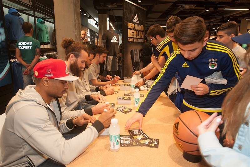Players signing autographs  in Adidas Trophy Tour at Adidas Store - Final Four Berlin 2016 - EB15