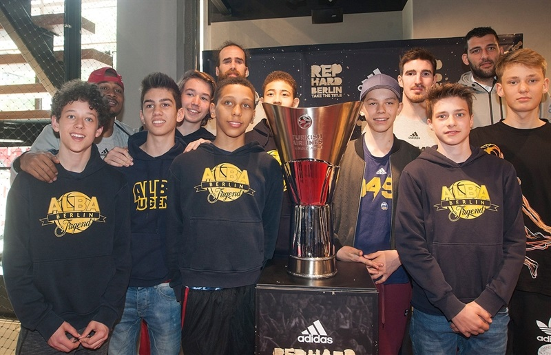 Draper, Datome, De Coloa and Bourousis with Trophy  in Adidas Trophy Tour at Adidas Store - Final Four Berlin 2016 - EB15