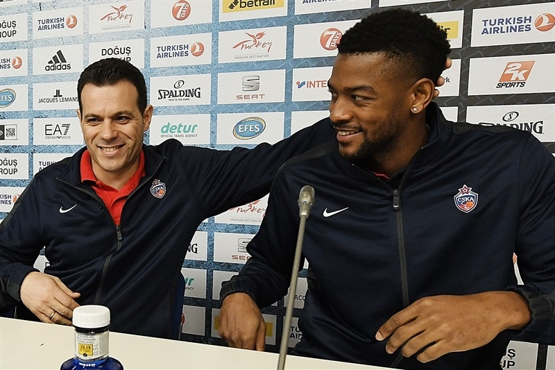 Dimitris Itoudis and Cory Higgins - Championship game press conference - Final Four Berlin 2016 - EB15
