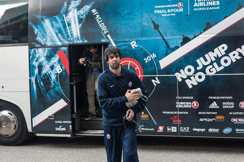 Milos Teodosic arrival Mercedez-Benz Arena- Final Four Berlin 2016 - EB15