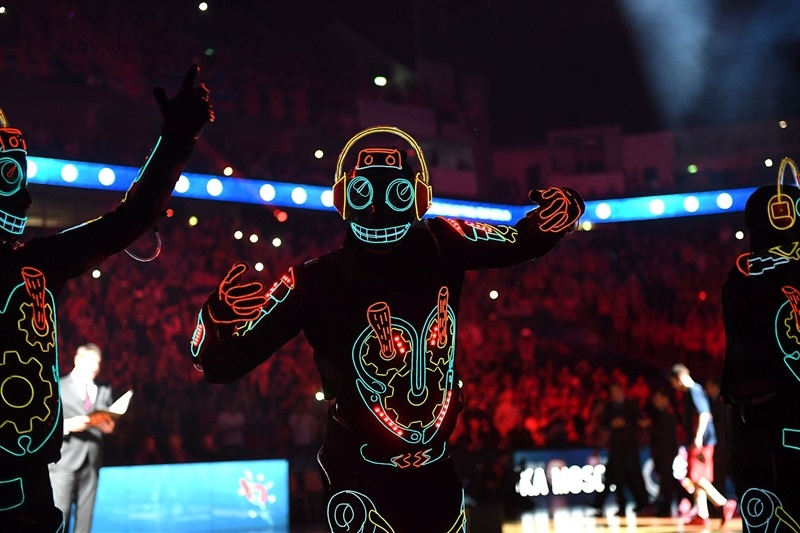 Led gusy perform during the team presentation - Final Four Berlin 2016 - EB15