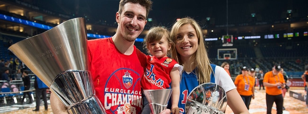 De Colo celebrates title as Final Four MVP
