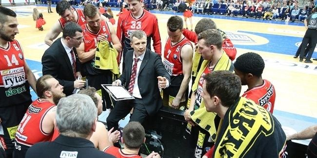 Lietuvos Rytas re-signs coach Pacesas