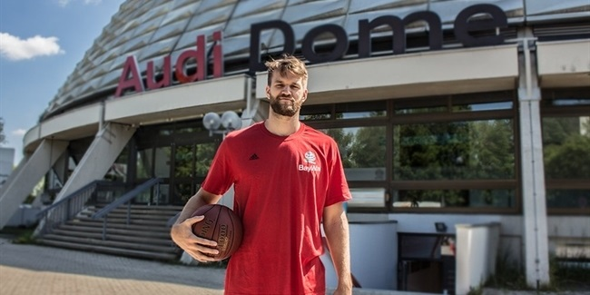 Bayern Munich adds size with Barthel