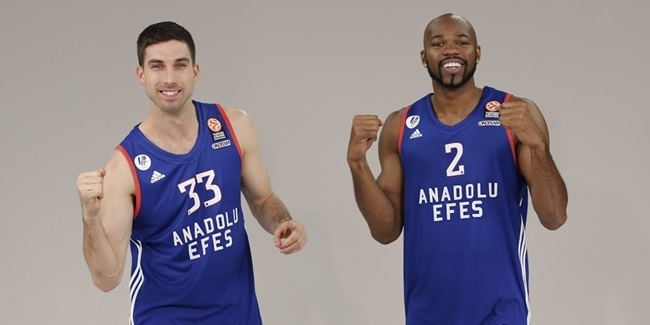 Galatasaray brings in Diebler, Tyus
