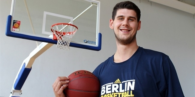ALBA Berlin shore up frontline with Radosavljevic