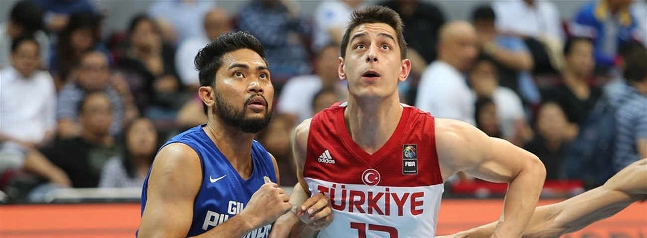 Efes signs big man Geyik