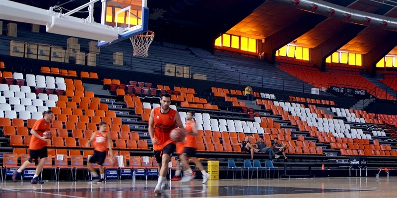 Valencia Basket is back to practices for the 2016-17 season also.