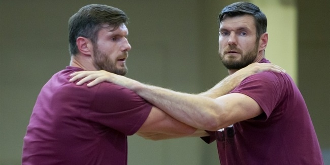 Lietkabelis keeps the Lavrinovic twins
