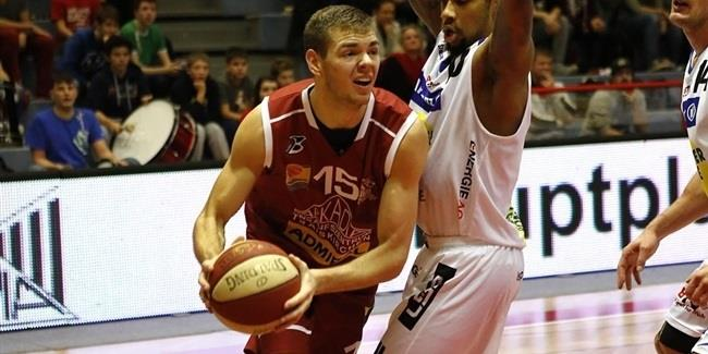 Lietkabelis adds depth with forward Tarolis
