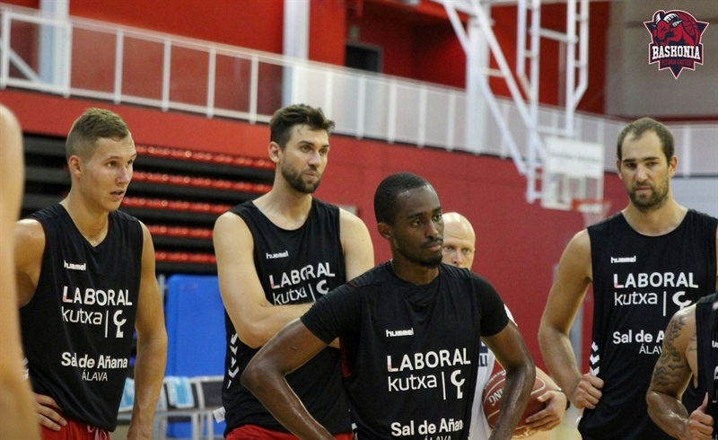 Players Baskonia Vitoria Gasteiz in preseason - EB16 (photo Baskonia)