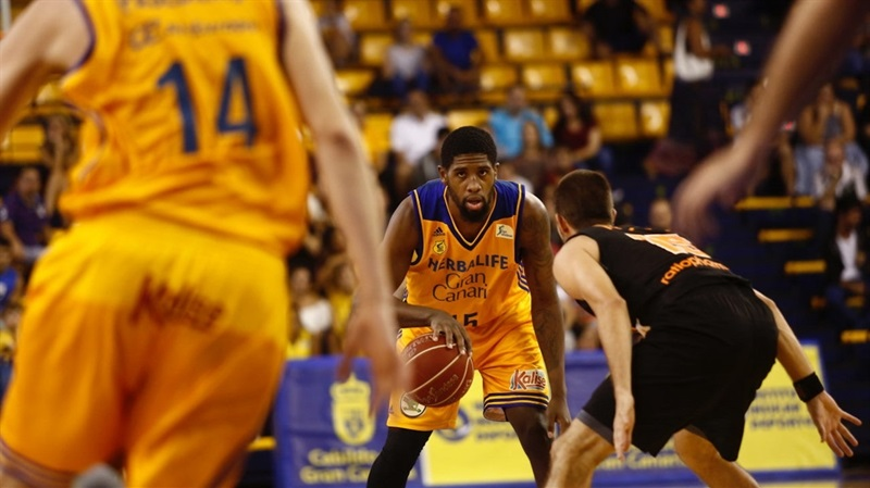 Royce ONeale - Gran Canaria in preseason (photo Gran Canaria) EC16