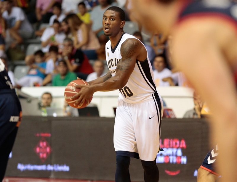 Ovie Soko - UCAM Murcia in preseason (photo UCAM Murcia) EC16