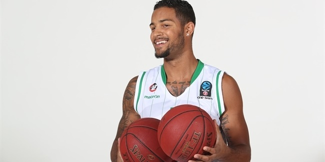 Nanterre tabs power forward Oliver