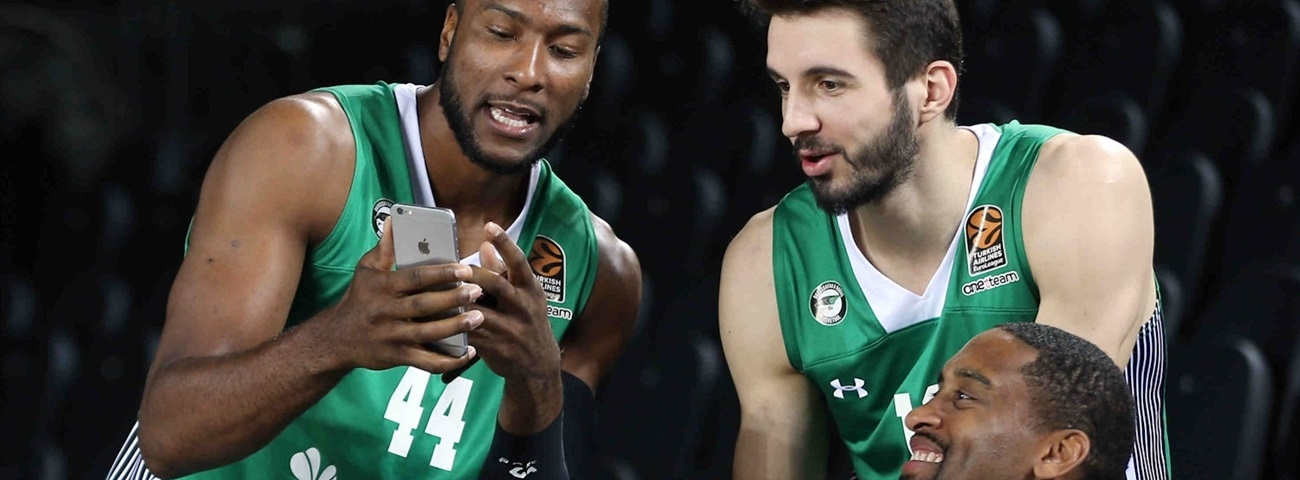 2016 Media Day Live: Darussafaka Dogus Istanbul