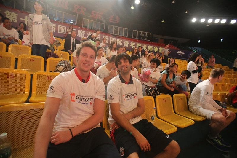 Mikhail Kulagin and Milos Teodosic - One team in Shenzhen with players CSKA Moscow  - CSKA Moscow - China Tour 2016 - EB16