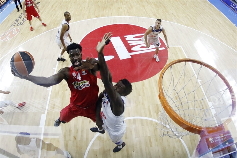 Patric Young - Olympiacos Piraeus - EB16