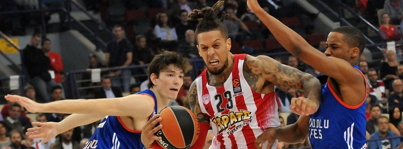 Olympiacos guard Hackett out six months
