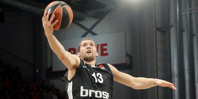 Bamberg loses Strelnieks to shoulder injury
