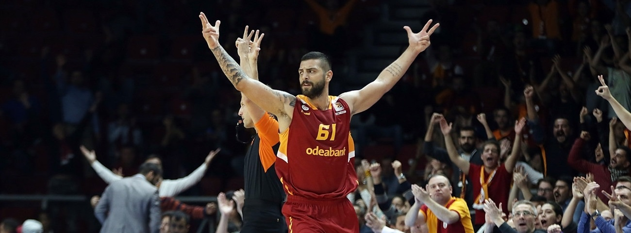 Galatasaray, Koksal together for two more years