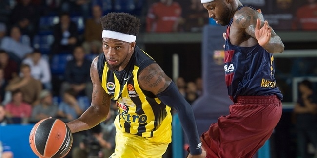 RS Round 2 report: Fenerbahce escapes from Barcelona with road win