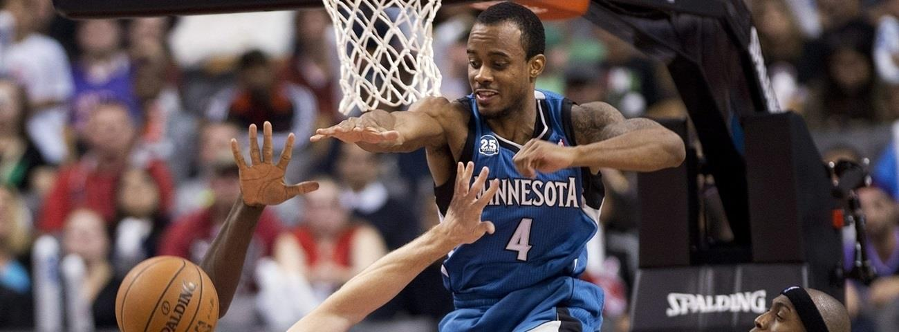 Unics signs point guard Brown