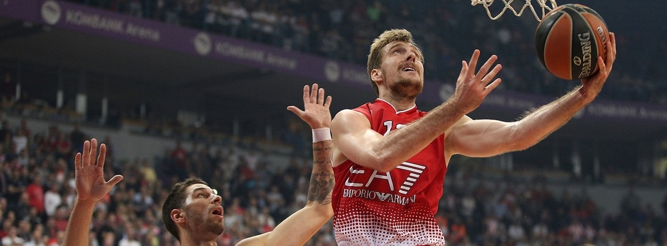 Efes adds experience with Dragic