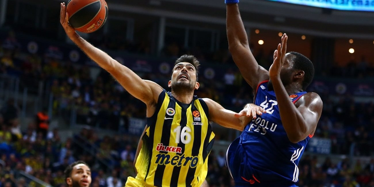 RS Round 8 report: Sloukas leads Fenerbahce past Efes