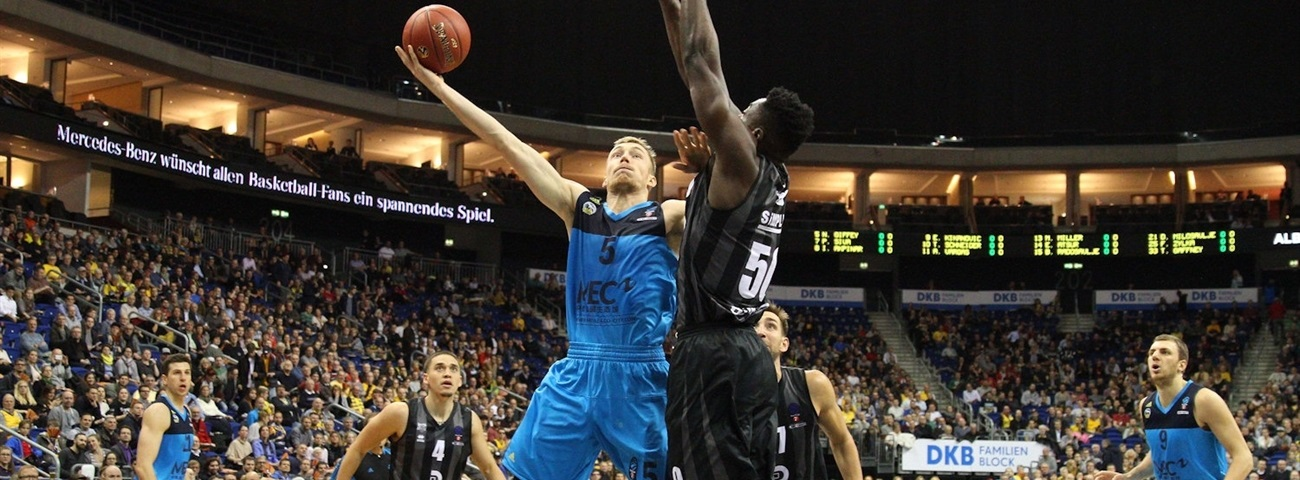 ALBA Berlin re-signs swingman Giffey