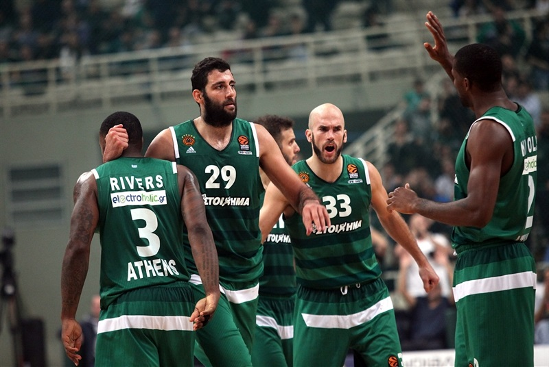 Players Panathinaikos Superfoods Athens celebrates - EB16