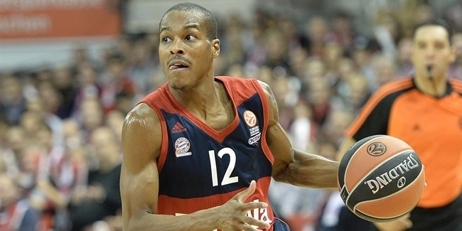 Barcelona signs playmaker Renfroe for rest of season