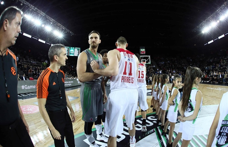 One Team Week - Darussafaka Dogus Istanbul vs. Olympiacos Piraeus - EB16