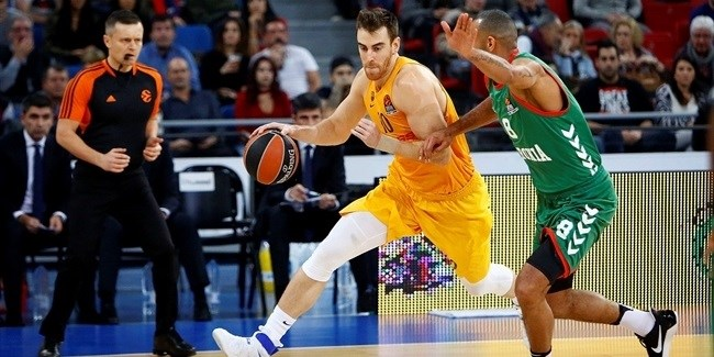 Regular Season, Round 13: Baskonia Vitoria Gasteiz vs. FC Barcelona Lassa