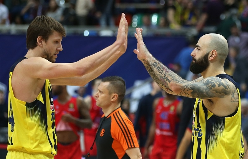 Jan Vesely and Pero Antic celebrates - Fenerbahce Istanbul - EB16