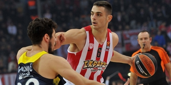Regular Season Round 15:  Olympiacos first shuts down, then holds off Fenerbahce