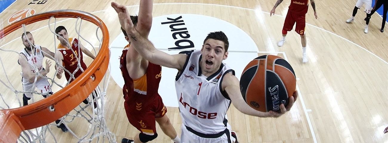 Real Madrid brings in swingman Causeur
