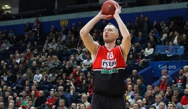 Arka Gdynia reunites with big man Lapeta