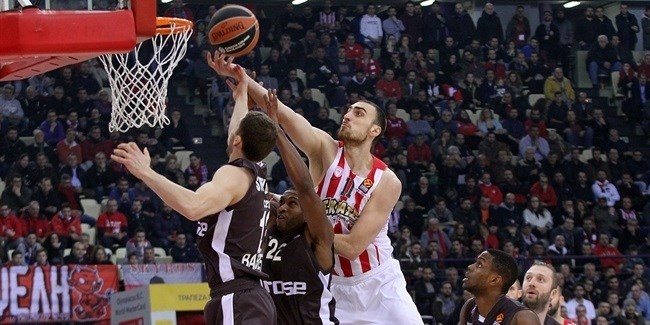 Regular Season, Round 20: Olympiacos Piraeus vs. Brose Bamberg