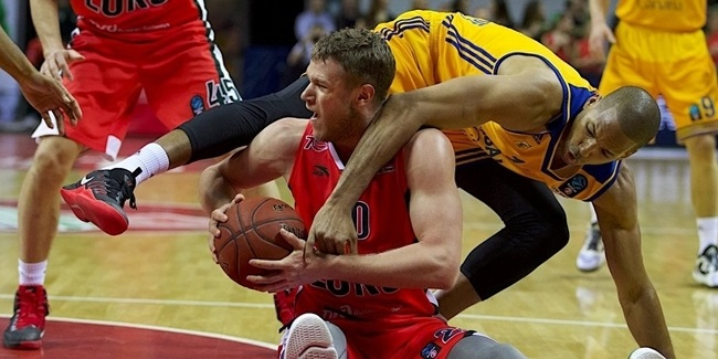 Khimki lands power forward Zubkov