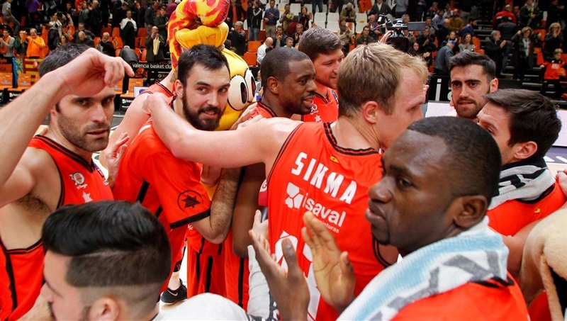 Valencia Basket celebrates - EC16 (photo Valencia Basket - Miguel Angel Polo)
