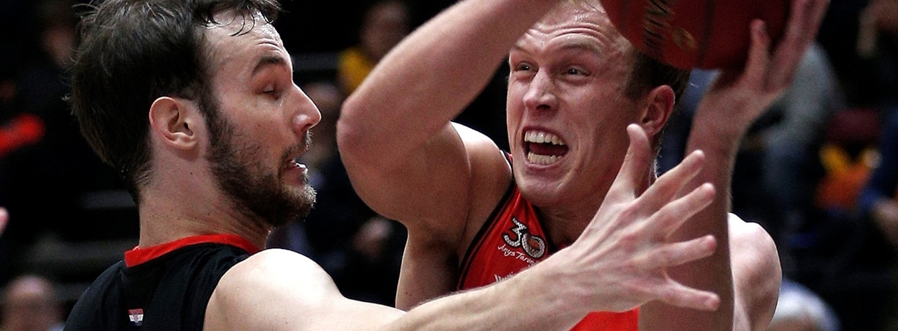 ALBA Berlin signs power forward Sikma
