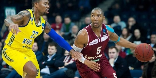 Lietkabelis, veteran playmaker Williams stay together