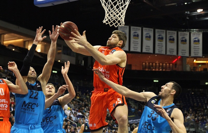 Viacheslav Kravtsov - Valencia Basket - EC16 (photo ALBA Berlin -  Jan Buchholz)