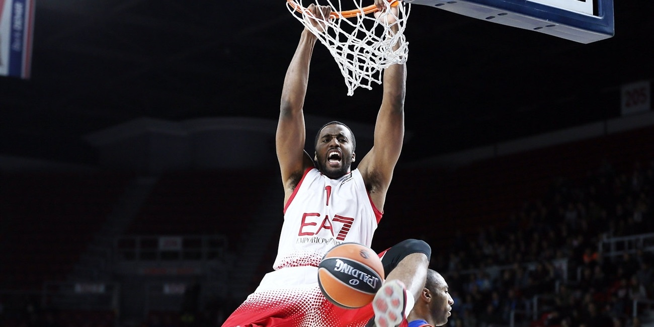 Olympiacos adds McLean to frontcourt mix