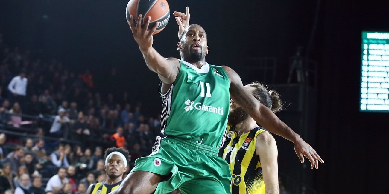 Fenerbahce tabs All-EuroLeague guard Wanamaker