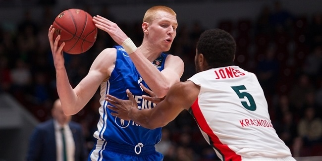 Zalgiris tabs power forward White