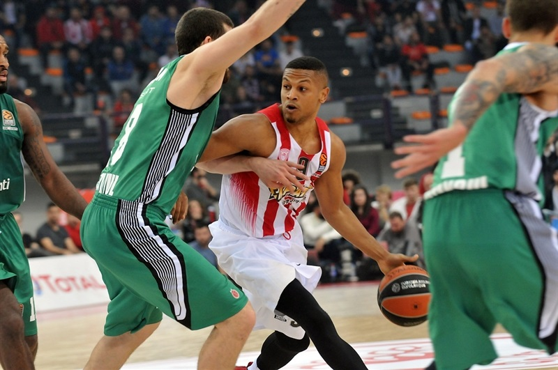 Dominic Waters - Olympiacos Piraeus - EB16