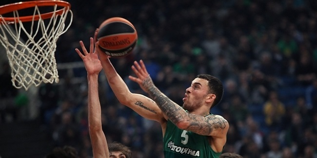 Panathinaikos brings back Mike James