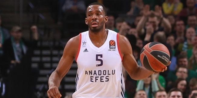 Anadolu Efes re-signs forward Brown